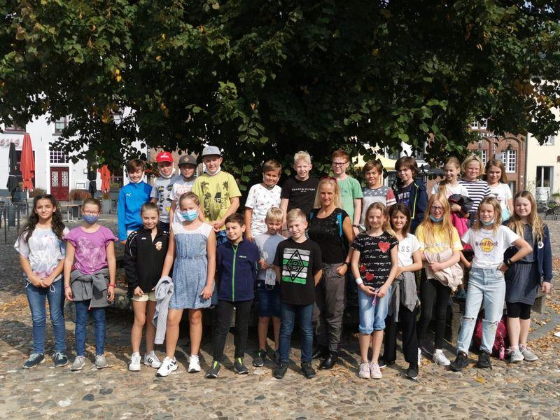 Neue Fünftklässler des Jan-Joest-Gymnasiums entdecken die Stadt Kalkar – Stadtführungen in der Woche vom 14.-18.9.2020